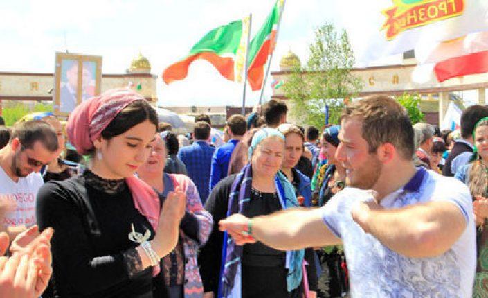 Власти Чечни рапортовали о примирении 786 разведенных супружеских пар